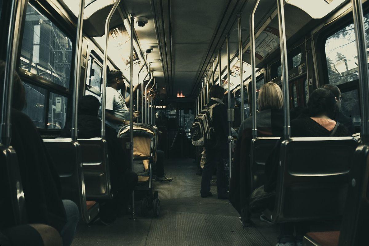 「バスを乗り間違えた」に関連する英語フレーズ