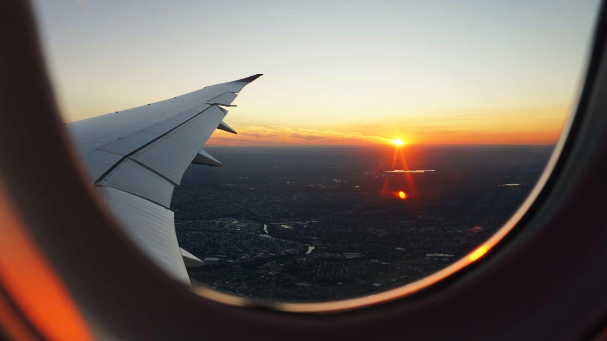 「飛行機が怖い」に関連する英語フレーズ