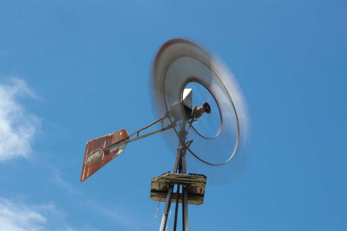「風が強い」に関連する英語フレーズ