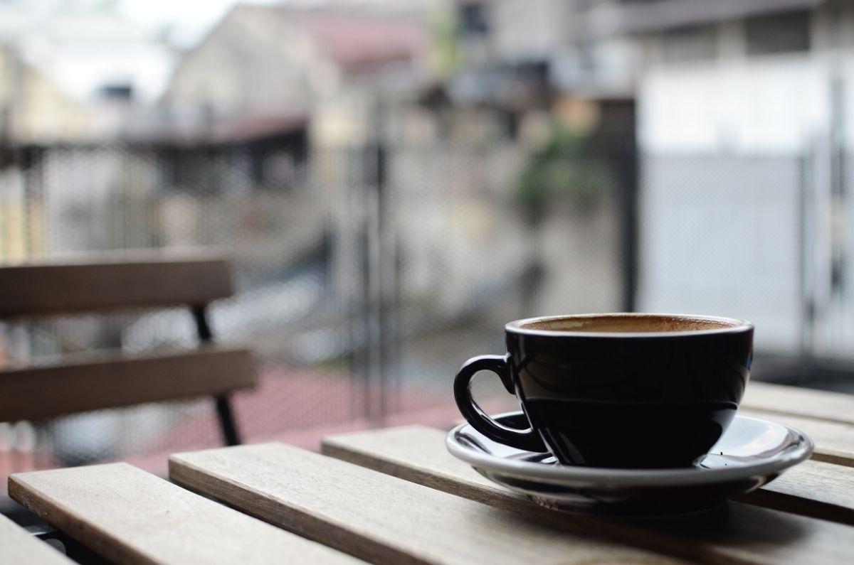 「毎朝コーヒーを飲む」に関連する英語フレーズ