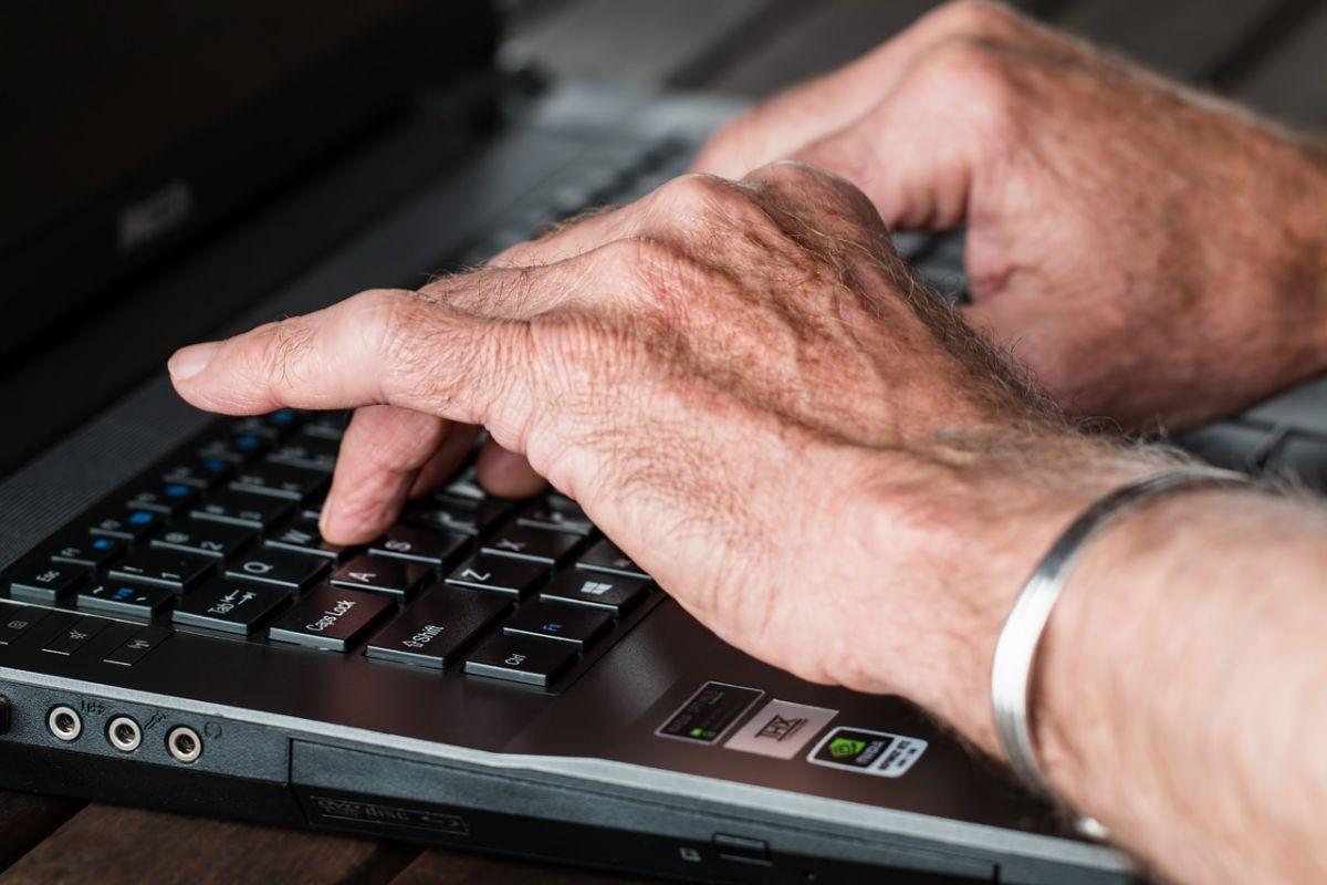「定年退職している」に関連する英語フレーズ