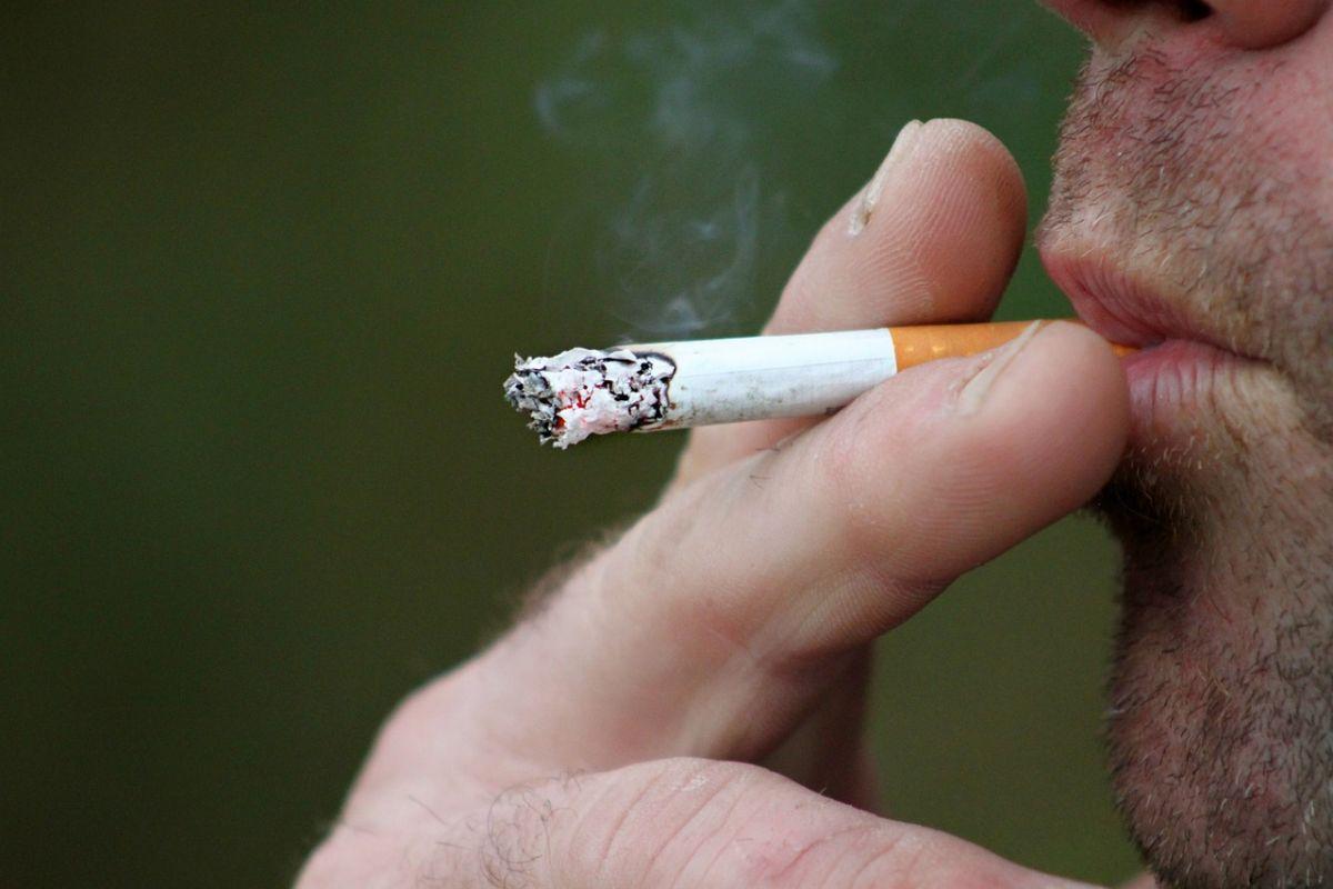 「昔はタバコを吸っていた」に関連する英語フレーズ