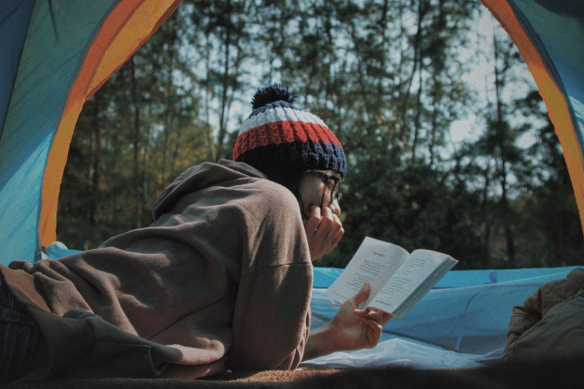「暗いところで本を読むと目が悪くなる」に関連する英語フレーズ