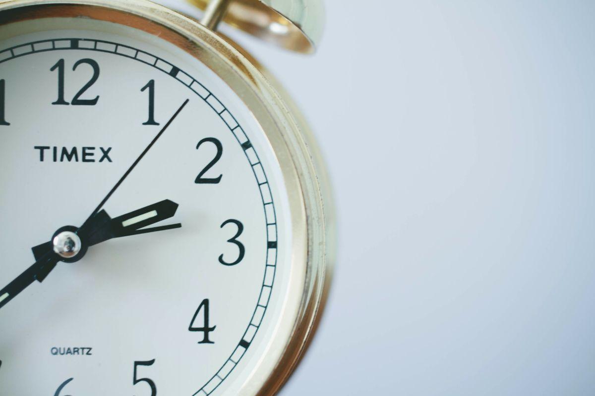 「時間があるときに電話ください」に関連する英語フレーズ