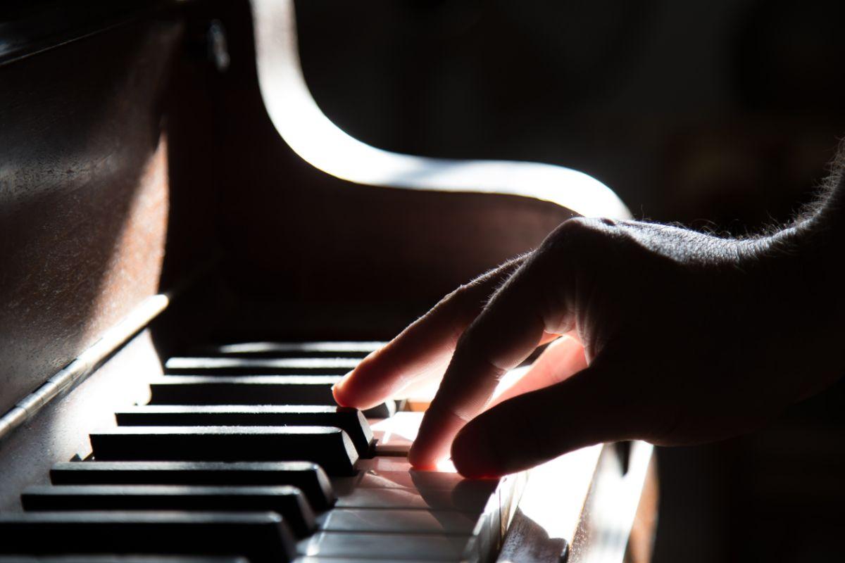 「ピアノが弾けるようになりたい」に関連する英語フレーズ