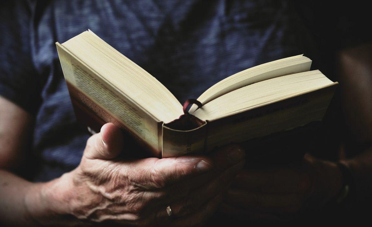 「明日死ぬかのように生きろ 永遠に生きるかのように学べ」に関連する英語フレーズ