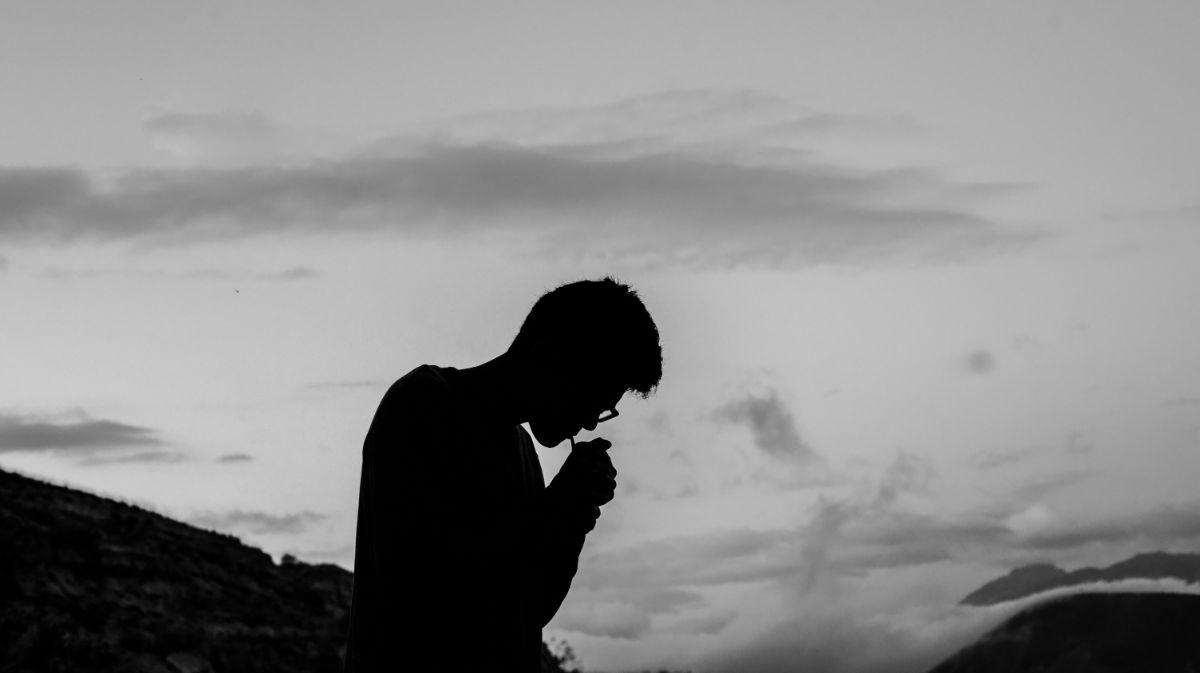 「タバコは中毒性がある」に関連する英語フレーズ