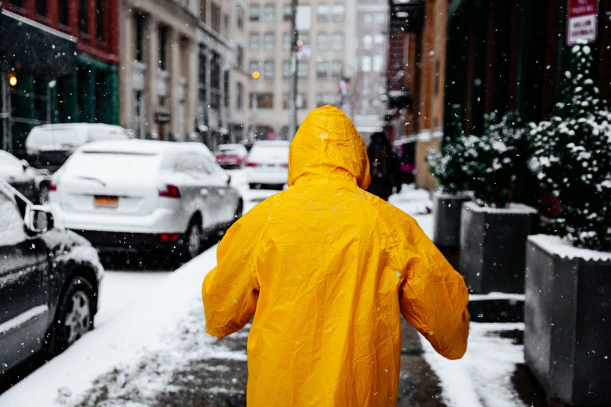 「雪が降っている」に関連する英語フレーズ